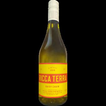 Bottle shot for 2018 Ricca Terra Daisy Chain White