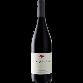 Bottle shot for 2020 Bodega Chacra Pinot Noir Sin Azufre