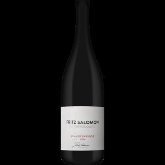 Bottle shot for 2016 Fritz Salomon Gut Oberstockstall Blauer Zweigelt